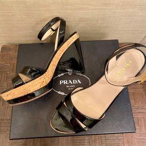 PRADA Patent Calzature Donna Sandals